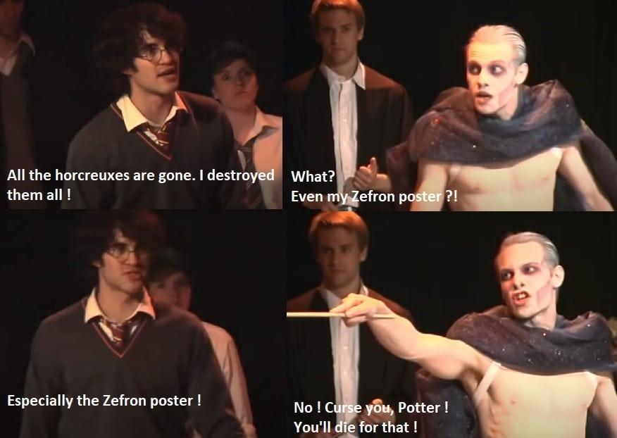 Harry révèle à Voldemort qu'il a détruit tous les horcruxes, notamment celui qui était dissimulé dans le poster de Zac Efron. Du coup, Voldemort est encore plus décidé à le tuer.