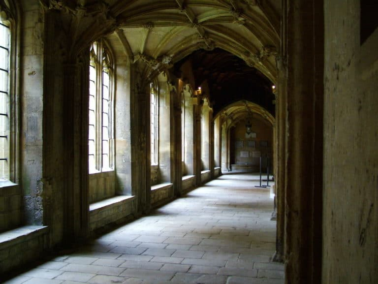 Les christ church cloisters à Oxford.