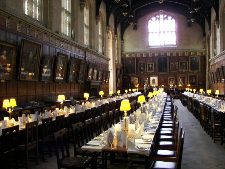 Le hall d'Oxford.