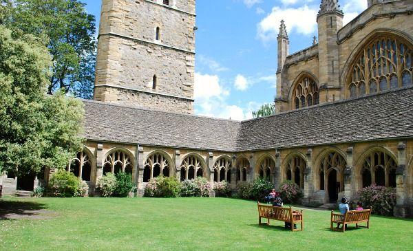 Les New College Cloisters à Oxford.